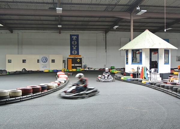 Beule Indoor Kartbahn am Bernsteinsee