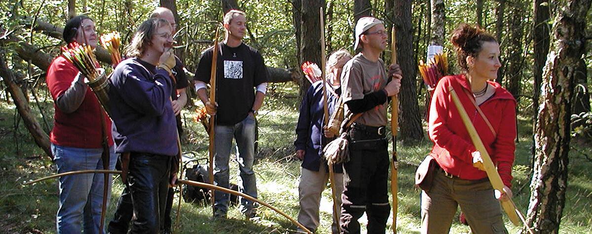 Bogenschützen im Wald