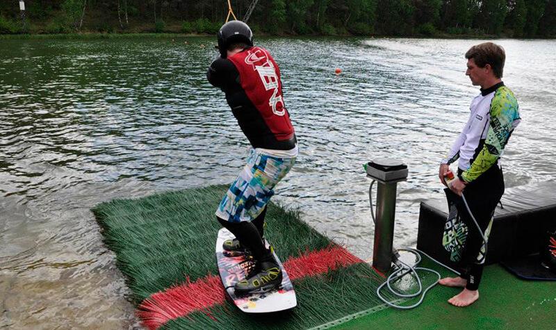 Wakeboarder startet bei Wasserski Bernsteinsee