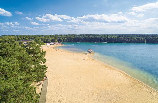 Luftbild vom Bernsteinsee Strand und See