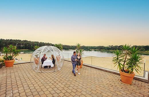 Dinner for two im transparenten Zelt auf der Sonnenterrasse